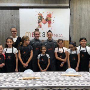 """Imágenes del taller de cocina infantil """"hacemos y decoramos galletas """"  19 d'octubre 2019"""